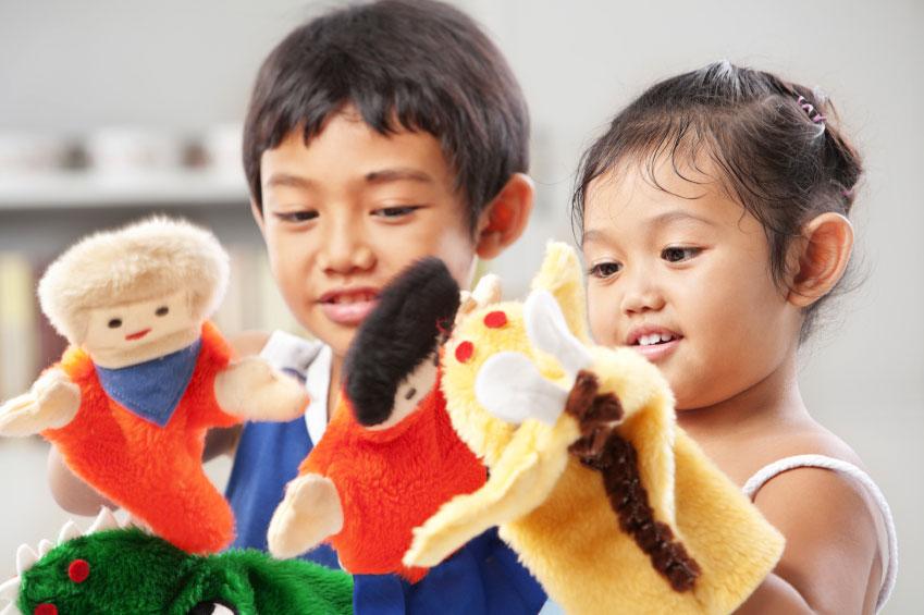 تاثیر مداخله بازی درمانی عروسکی بر مهارت های ارتباطی کودکان در خودمانده